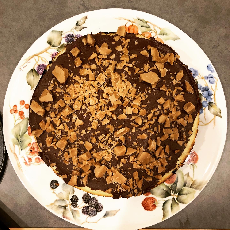 Chocolate toffee cheesecake: a birthday dream